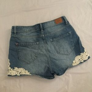 BDG Shorts - BDG High Rise Erin 5 Pocket Shortie Crochet